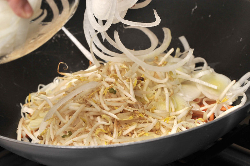 Agregar los demás vegetales y mezclar bien.