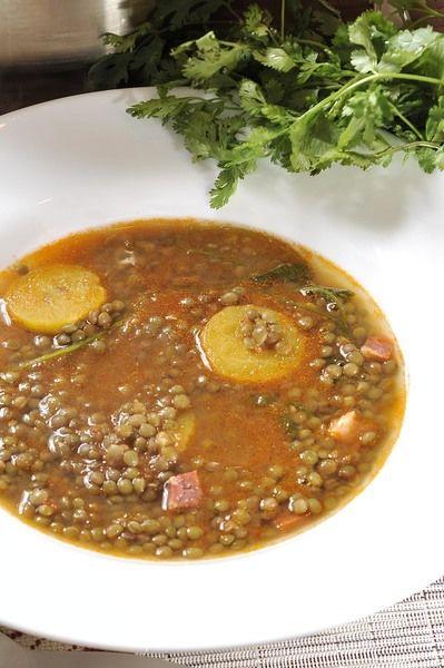 Servir bien caliente como sopa de principio.