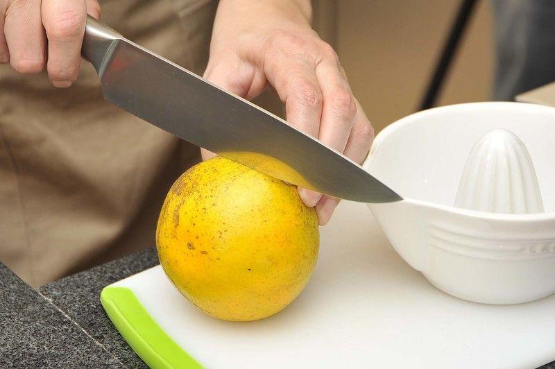 Esta gelatina se puede preparar con diferentes frutas, la única fruta que no se puede usar es la piña porque no cuaja.