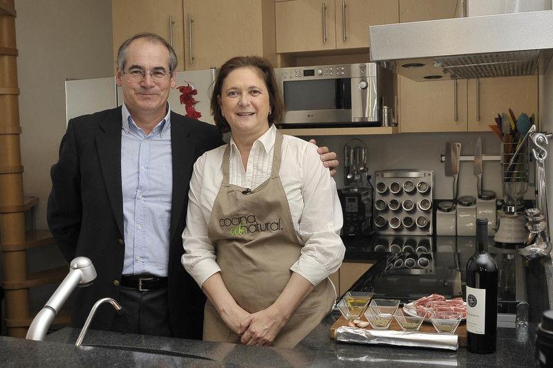 Paolo Paoloni de la bodega mexicana Villa Montefiori y Sonia Ortiz de Cocina al Natural.