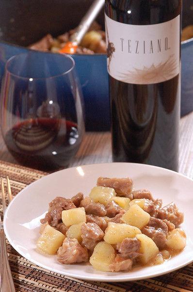 Servir acompañado de una copa de vino tinto Norte 32 Teziano.