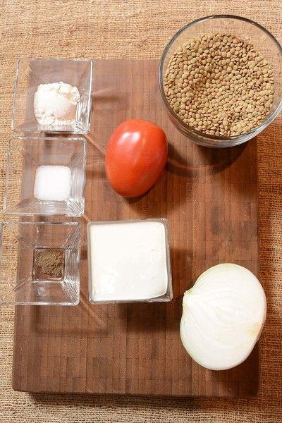 1/4 pieza de cebolla blanca 453 gramos de lasaña de luigi 1 pieza de pimiento verde 1 cucharada de mantequilla 1 taza de queso manchego rallado 3 piezas de jitomate guaje 2 latas de atún en aceite