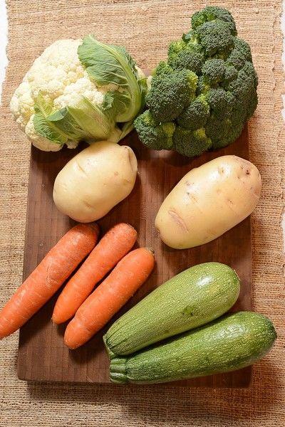 1/2 pieza de coliflor 2 piezas de calabacita 1 pieza de brócoli 3 piezas de zanahoria 2 piezas de papa blanca
